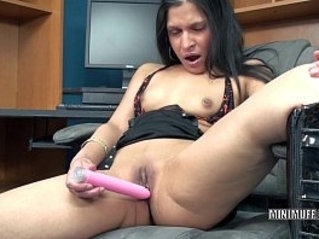 Petite MILF Naomi Shah fucks her exotic pussy licking with a toy