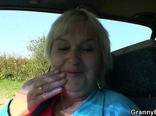 Granny getting her pussy pounded in the car