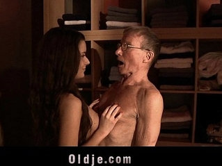 Big old cock flooding spa for nosy tiny cunt